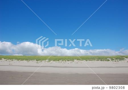 青い空と海辺 アメリカ・オレゴン州 9802308