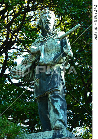 可美真手命(うましまでのみこと)の像(浜離宮恩賜公園/東京都中央区浜離宮庭園) 9863242