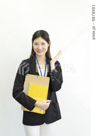 働くビジネスウーマン 9878991