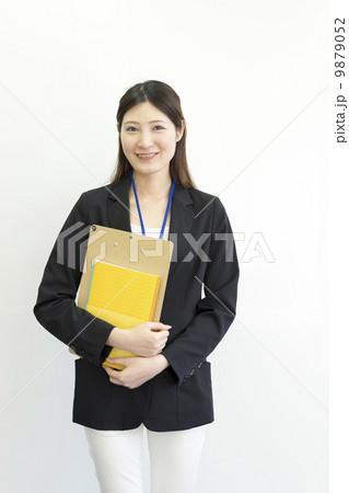 働くビジネスウーマン 9879052