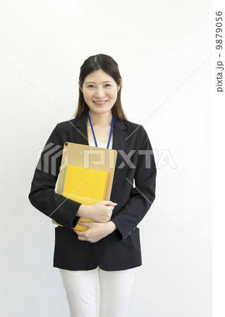働くビジネスウーマン 9879056