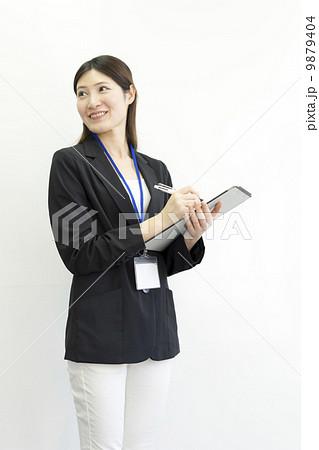 働くビジネスウーマン 9879404