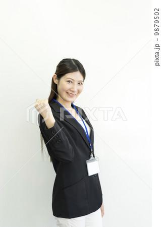 働くビジネスウーマン 9879502