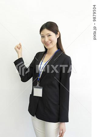 働くビジネスウーマン 9879504