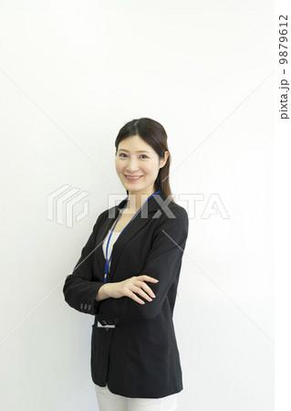 働くビジネスウーマン 9879612