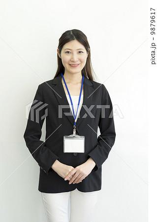 働くビジネスウーマン 9879617