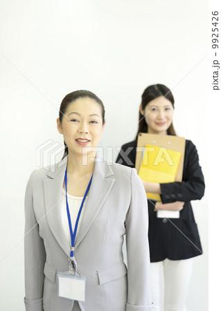 働くビジネスウーマン 9925426