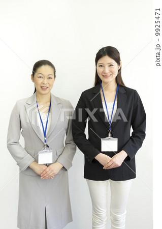 働くビジネスウーマン 9925471