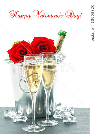 Valentine's Day dinner for two. Champagne and rosesの写真素材 [10008320] - PIXTA