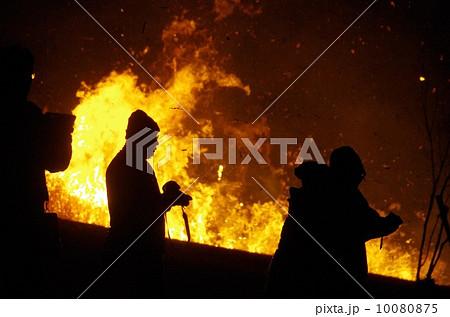 俵山山開き 夜の野焼き 西原村萌の里 山の神まつり 10080875