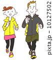 ジョギングする若い男女 10127502