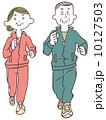 ジョギングする年配の男女 10127503