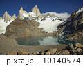 フィッツ・ロイ山 フィッツロイ ロストレス湖の写真 10140574