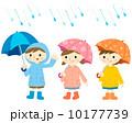 傘をさす子供 10177739