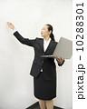働くビジネスウーマン 10288301
