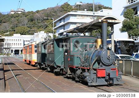 坊ちゃん列車の走る城下町松山 10300538