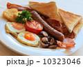 カリカリベーコン トースト 朝食の写真 10323046
