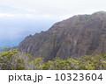 カウアイ島のホノプ渓谷 10323604