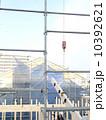 足場 建築現場 クレーンの写真 10392621
