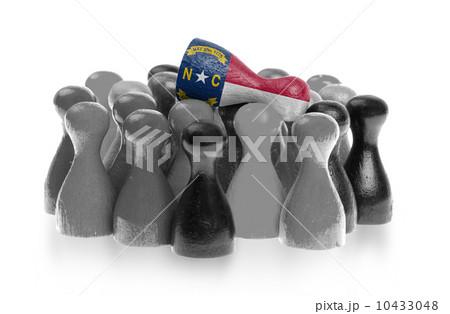 One unique pawn on top of common pawnsの写真素材 [10433048] - PIXTA