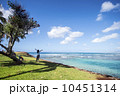 深呼吸 女性 海岸の写真 10451314