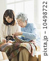 祖母と娘・在宅介護 10498722