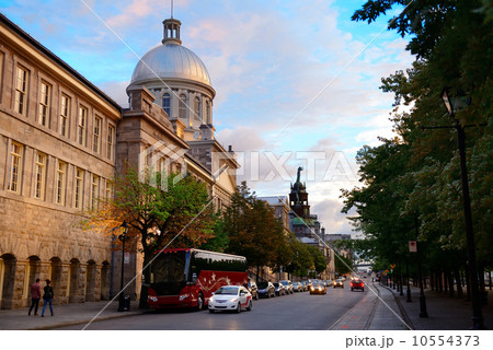 Old Montreal 10554373