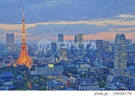 東京タワーの夕暮れ HDR 10608776