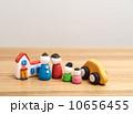 マイホーム 人形 親子の写真 10656455