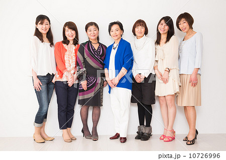 集合写真 女性7人 10726996