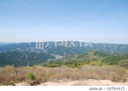 愛知県北設楽郡設楽町・井山山頂からの景色 10764415