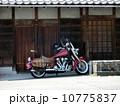 日本家屋とアメリカンバイク 10775837