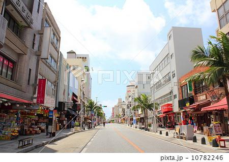 沖縄 国際通り 10782246