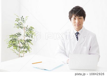 医療イメージ 医師 10842926