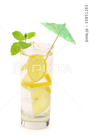 Glass of lemonade with lemon and mint.の写真素材 [10851165] - PIXTA