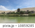 三日月型の 敦煌 春の写真 10859285