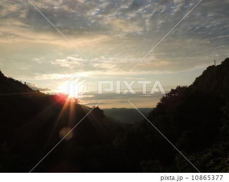 北見峠の朝日 10865377