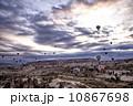 カッパドキア 気球 朝焼けの写真 10867698
