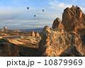 ギョレメ カッパドキア 気球の写真 10879969