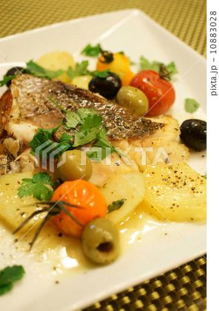 真鯛のオーブン焼き イゾラーナ風 10883028