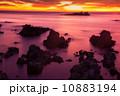 岩場 山陰ジオパーク 海の写真 10883194