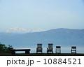 空と山と椅子とリラックス 10884521