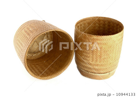a bamboo wooden old style box for sticky riceの写真素材 [10944133] - PIXTA