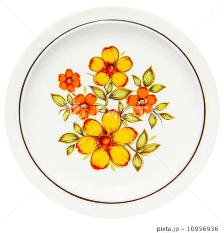 painting yellow flowers on dishの写真素材 [10956936] - PIXTA