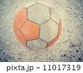 サッカーボール 古い 古びたの写真 11017319
