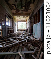 軍艦島 65号棟旧棟9階 端島幼稚園廊下 11023004
