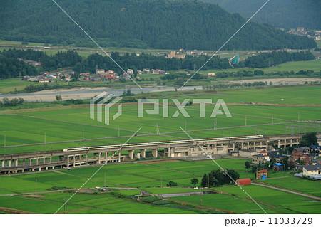 上越新幹線200系原色・俯瞰 11033729