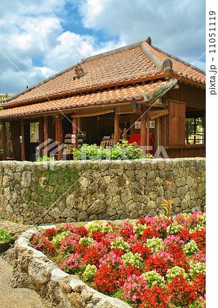沖縄 伝統的な家 11051119
