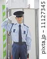 敬礼 警備員 警備の写真 11127345