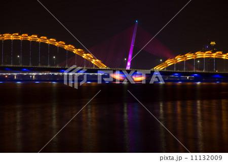 ドラゴン橋 ベトナム、ダナン ギネス登録 世界一 夜間照明 11132009